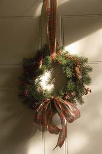 Christmas_Wreath_Making__at Walmer Castle, Kent with English Heritage