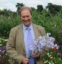 Jim_Gardiner_with_Sweet_Pea_Chelsea_Centenary (small version)