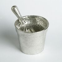 _detailpewter_flower_pot_with_trowel_spoon_Uk_made_gardeners_gifts