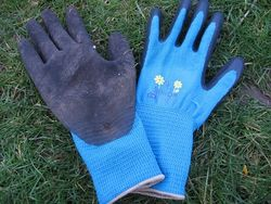 With Garden Soft n Care gardening gloves