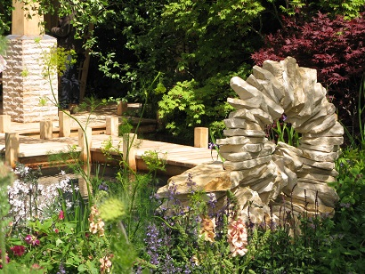 Water and sculpture in Jo Thompson's M&G Retreat garden, RHS Chelsea 2015