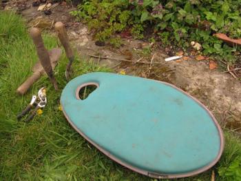 Turquoise Kneelo garden kneeler