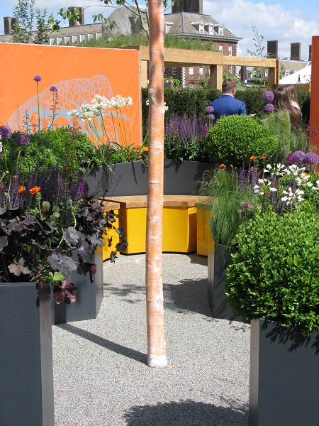 Sir Simon Milton Foundation Urban Connections Garden, designed by Lee Bestall and John Housley, Chelsea Flower Show 2016
