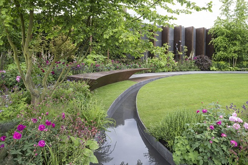 Qatari Diar The Chelsea Barracks Garden by Jo Thompson, RHS Chelsea, copyright RHS Credit RHS and Neil Hepworth