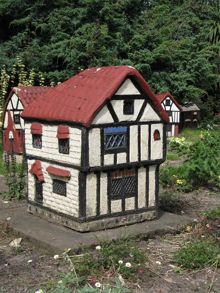 Edgar Wilson's Miniature Medieval Village, Vauxhall Park, London