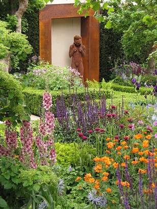 Morgan Stanley Healthy Cities garden, by Chris Beardshaw, Trust sculpture, Chelsea Flower Show 2015