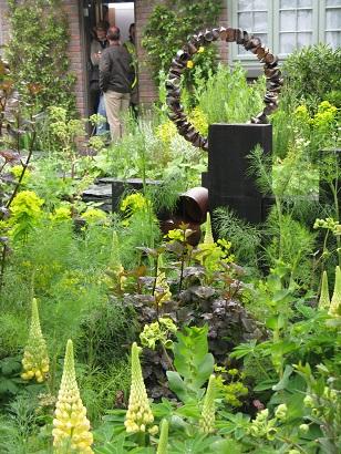 Sean Murray's tin can sculpture in GCGC garden, Chelsea 2015